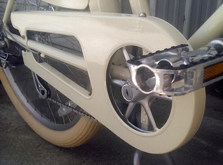 chain guard on comfortable cruiser bike