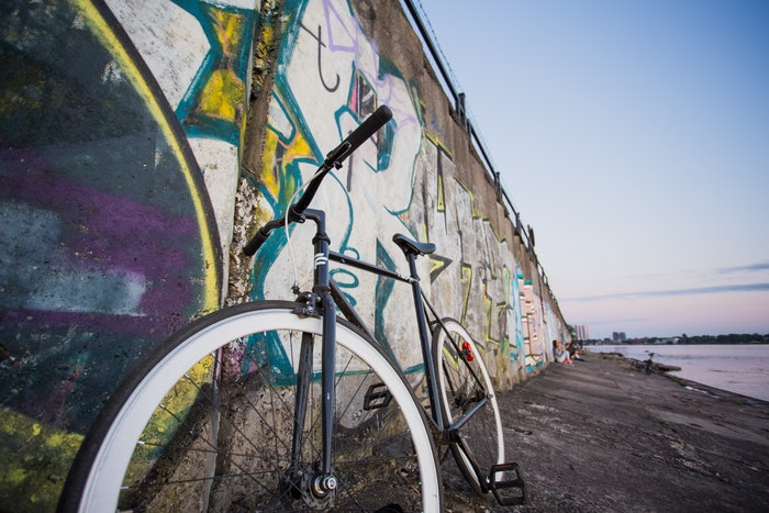 fixie bike with brake