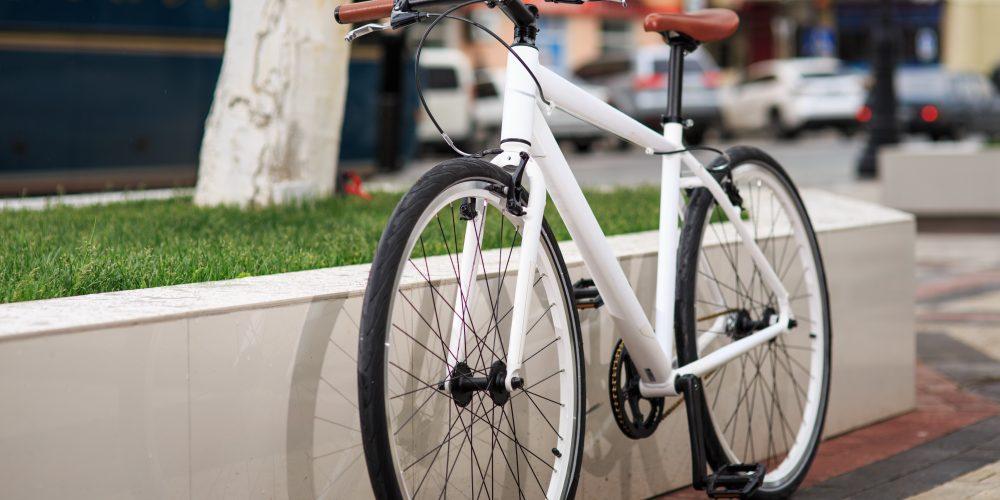 fixie vs road bike