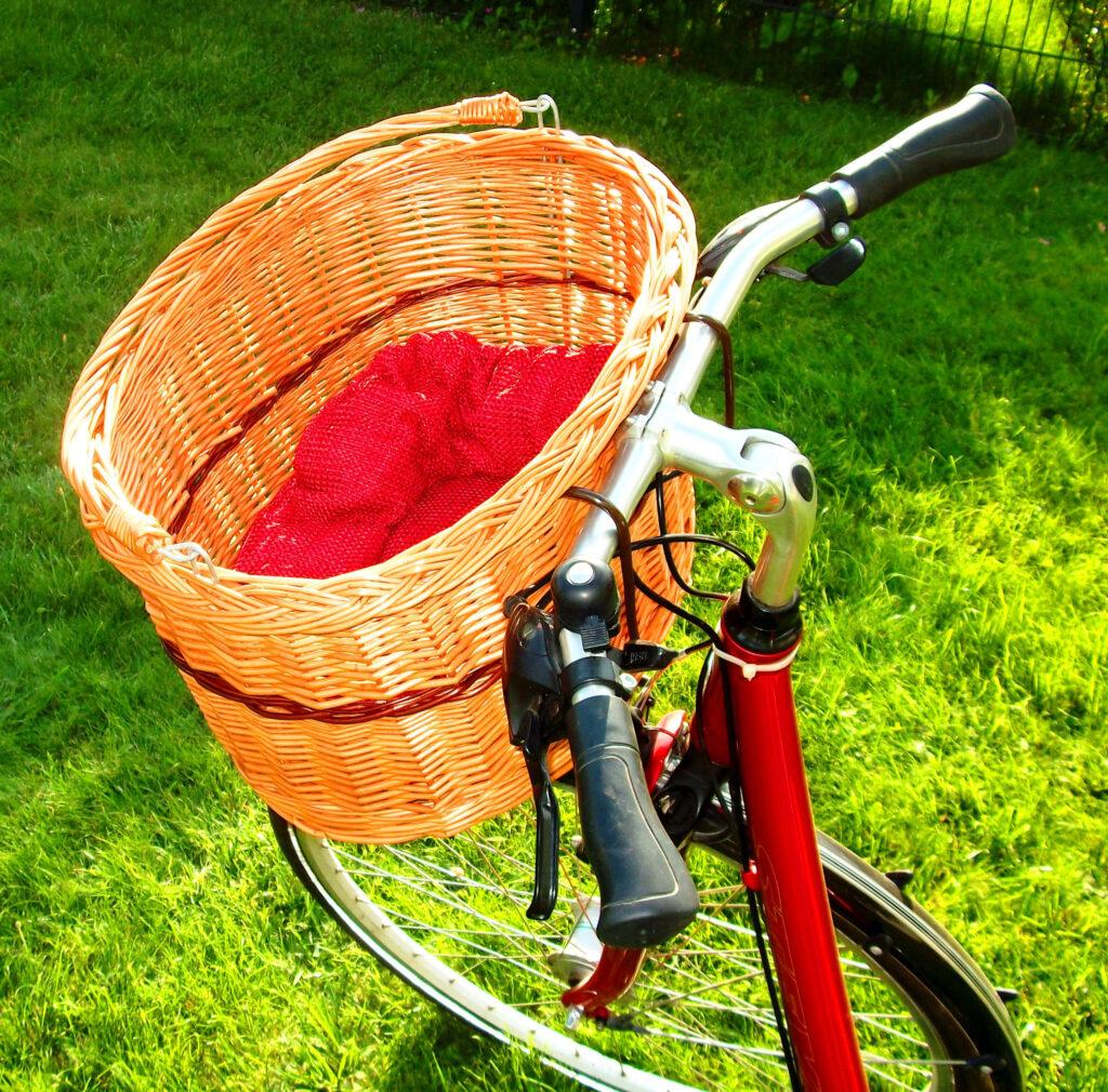 vintage bikes front basket