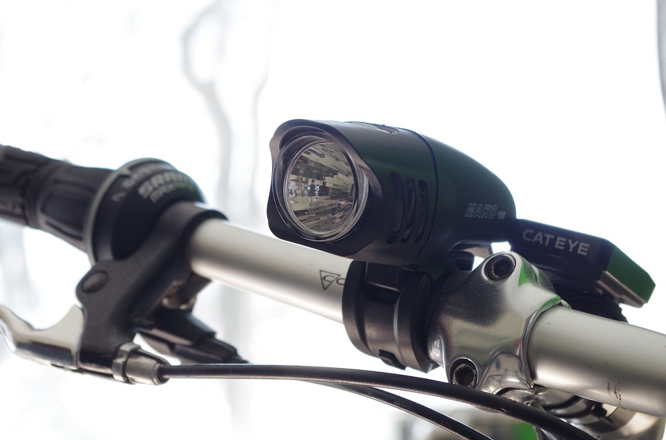 bike front light on handlebar