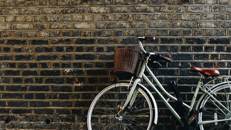 comfortable beach cruiser bike basket