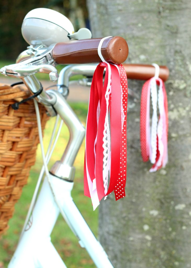 Red-Ribbon-Bicycle-Streamers