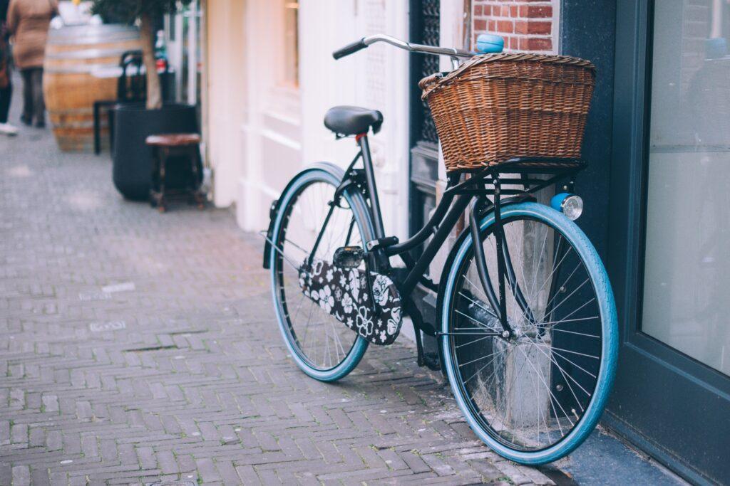 basket on a 3 speed beach cruiser bike
