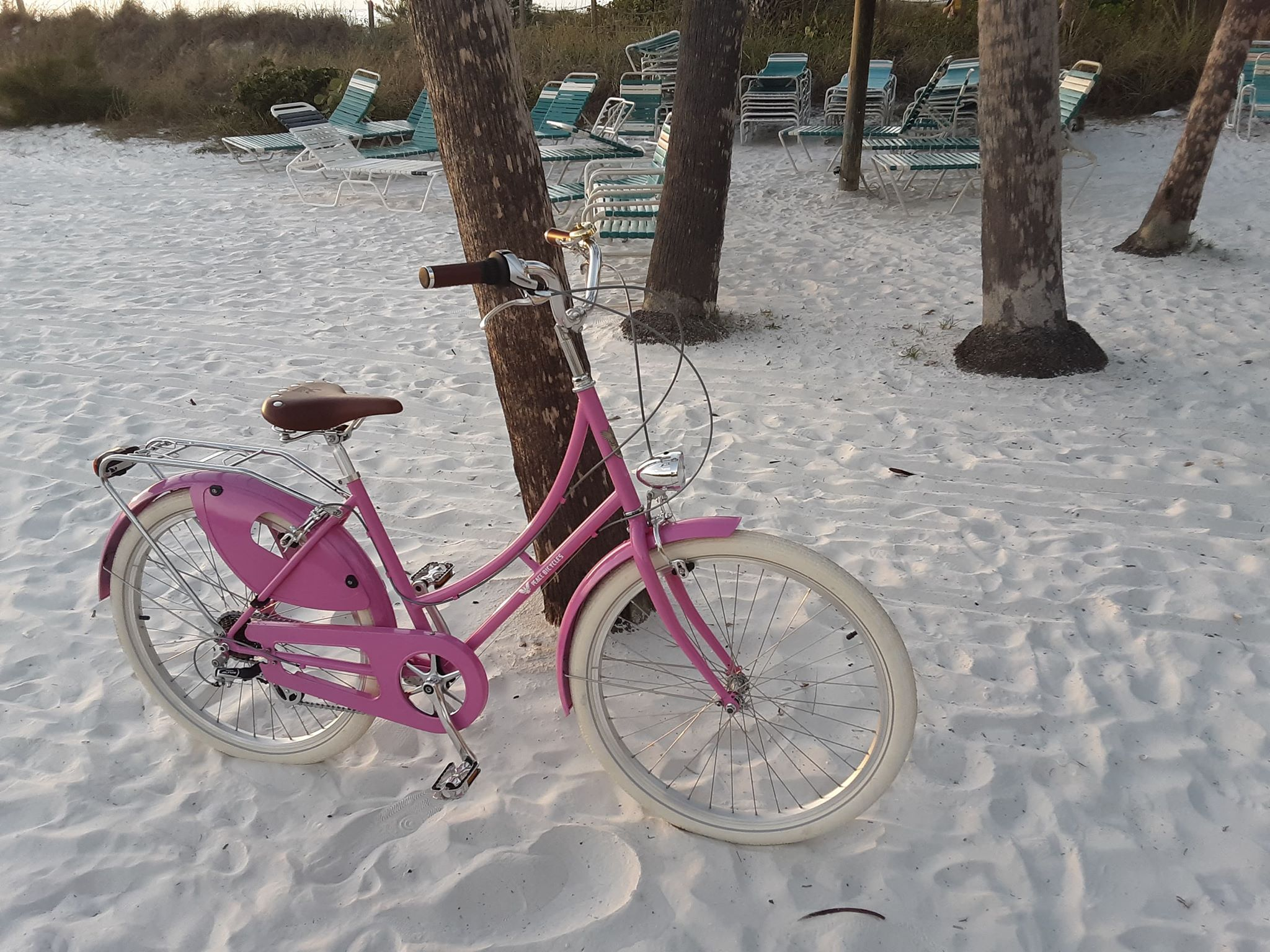 pink-step-through-dutch-cruiser-bike